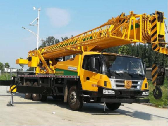 森源重工新25吨起重机