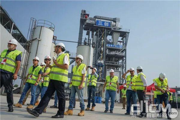 这套安迈沥青搅拌站已经生产了90300t混合料(其中再生料9850t)。它不只是作为一个实用的、环保型生产基地而存在。