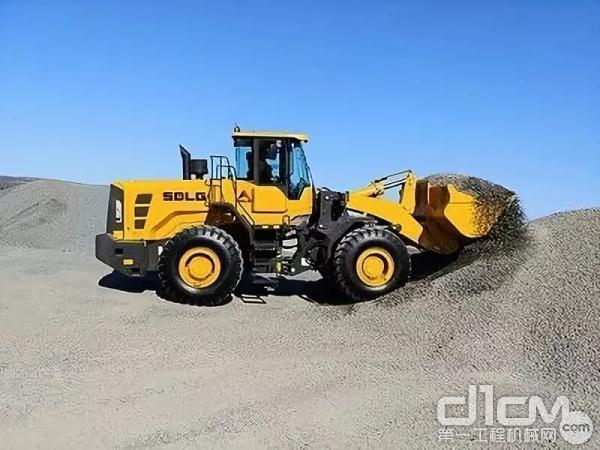 L958F轮式装载机在昆士兰州一家混凝土厂搬运集料