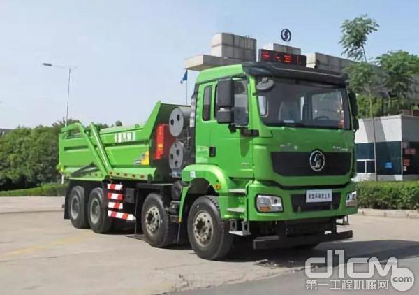 陕汽天然气新型城建渣土车——城市清新的守护者