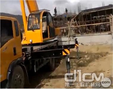 △上图为森源小12吨藏区建筑工地施工