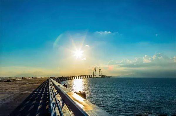 港珠澳大桥设计难度非常高