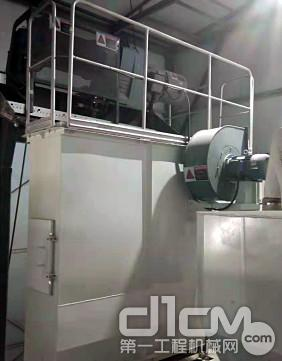 搅拌主楼内采用脉冲除尘器,保证整个生产过程中无粉尘排放,满足环保要求