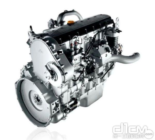 匹配菲亚特科技 CURSOR11铂金动力,最大扭矩达到2100N·m,动力表现杰出不凡