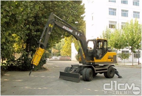宝鼎轮式挖掘机