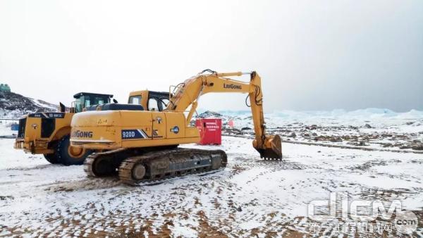 挖掘机冬季施工注意事项