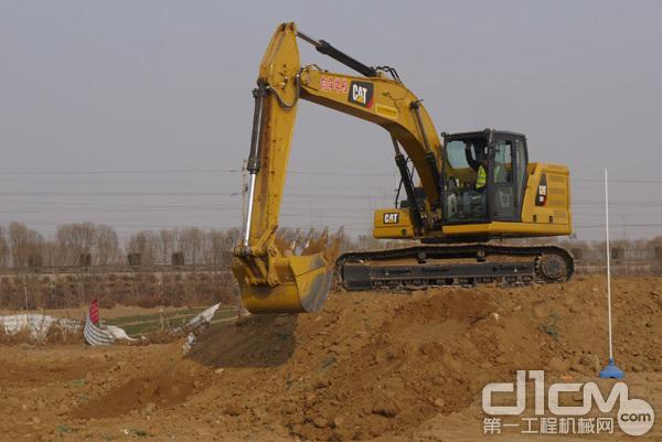 CAT新一代320挖掘机现场演示