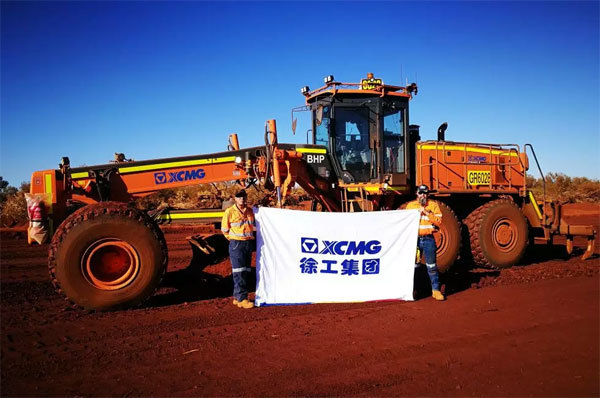 在澳大利亚必和必拓项目中,徐工矿用平地机受到了高度认可