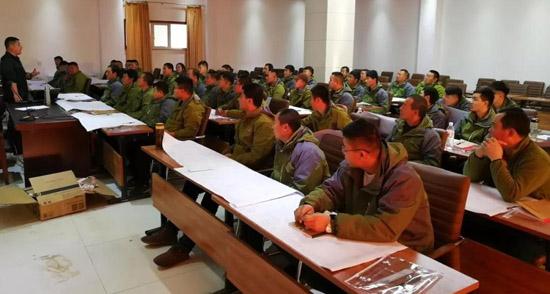 山东临工冬季服务培训走进锡林浩特