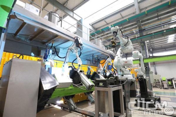 中联重科塔机智能工厂内厂房