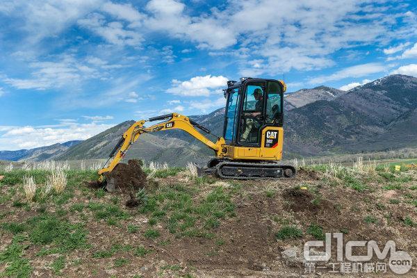 新一代 Cat 迷你型液压挖掘机Cat 302CR
