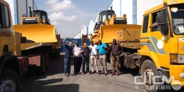 山推东非市场签订成套设备订单