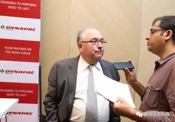 法亚先生接受印度当地媒体采访