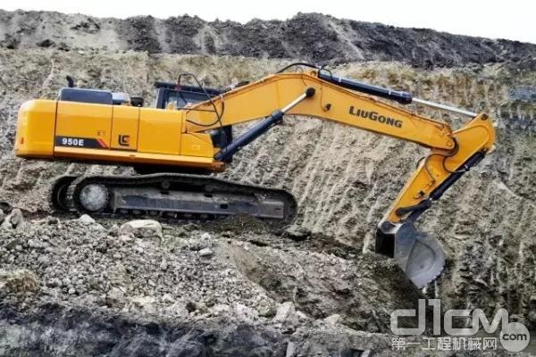 柳工CLG950E挖掘机施工作业