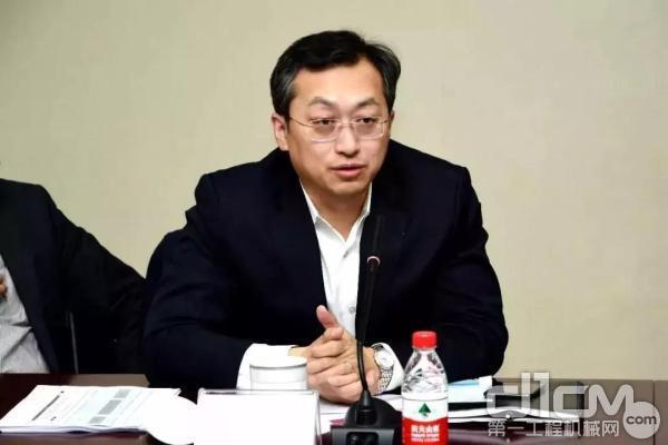 福田汽车党委书记、总经理巩月琼