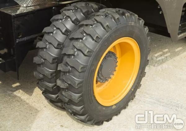 工程轮胎,超耐磨、防刺穿、防撕裂