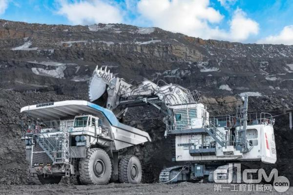 R 9400 电动液压铲(正铲) 装载 T 264 矿用卡车