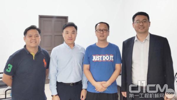 山推进出口公司常洋一行在马来西亚代理公司陪同下走访调研马来西亚市场