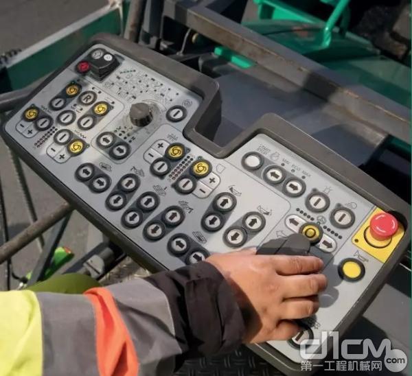 ErgoBasic 操控系统:使每天的施工变得更加高效、顺畅