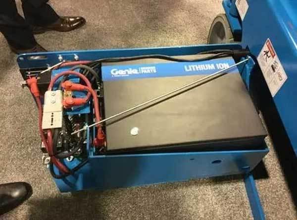吉尼最新推出适用于剪刀车的锂离子电池选装件