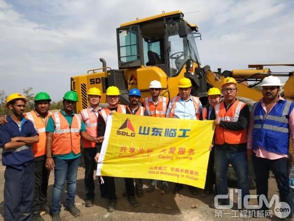 山东临工研发质量团队走访南亚市场