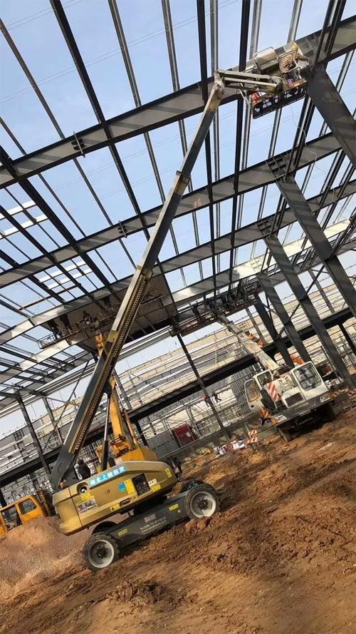 ▲星邦重工GTBZ18J作业于湖北某钢结构建筑