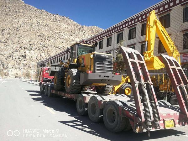雷沃装载机发运西藏