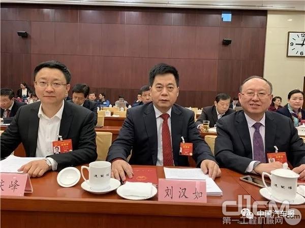 全国人大代表、集团公司党委书记、董事长刘汉如