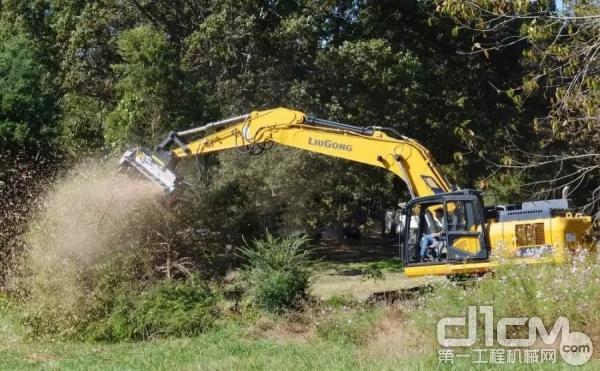 柳工925E挖掘机