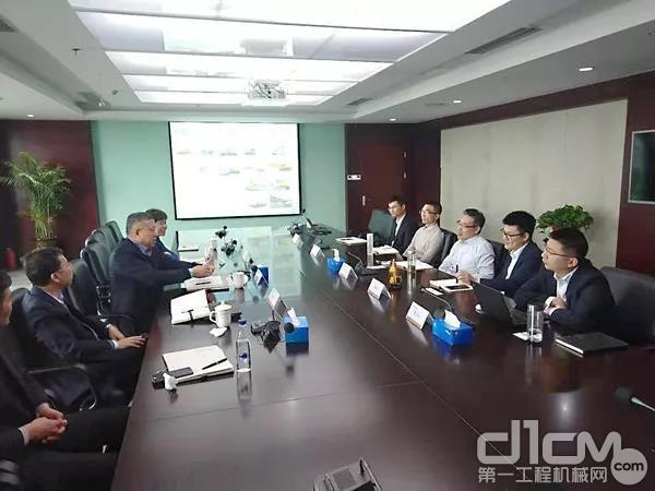 山重建机领导到皖江金融租赁股份有限公司交流