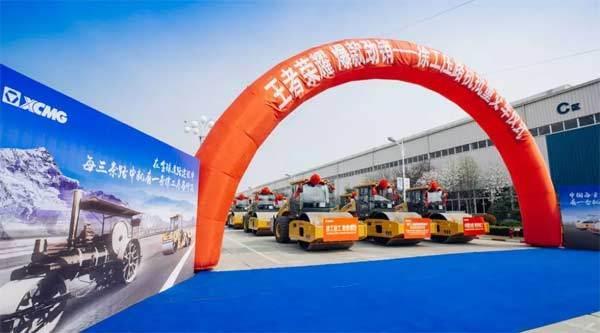 华东地区某客户批量采购徐工机械式压路机