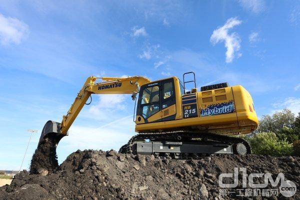 小松HB215LC-3混合动力挖掘机