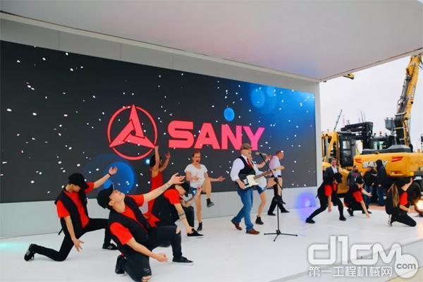 """精彩的""""SANY show""""演出"""