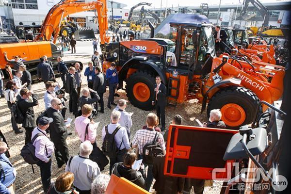 日立建机装载机也在bauma被客户关注
