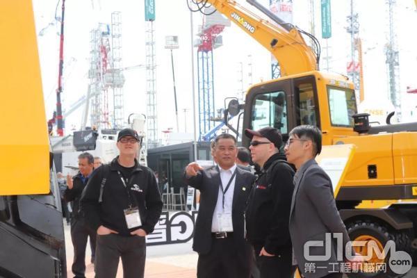 晋工作为本届德国宝马展的中国参展企业代表之一,参展情况受到行业及协会的高度关注