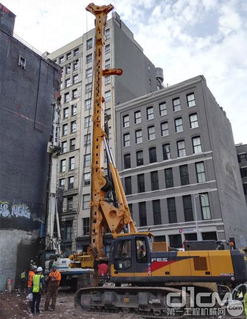 徐工XR180X-IV旋挖钻机在美国曼哈顿施工