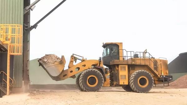 徐工LW1200K在蒙古国