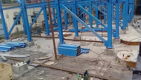 钢结构成功就位