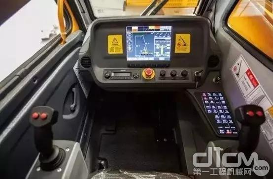徐工起重机2019G一代品质升级版驾驶室