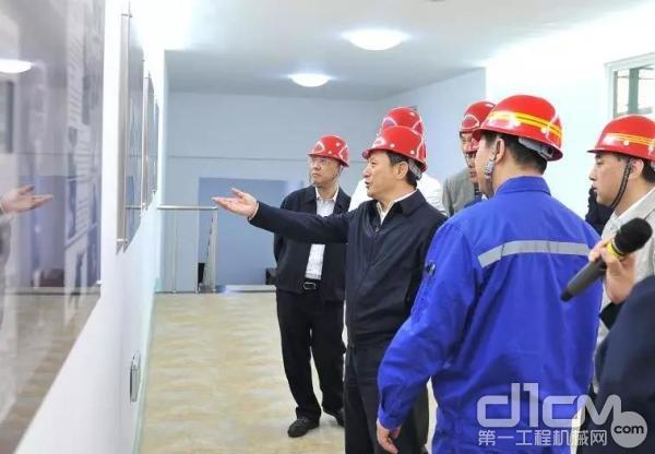 徐工集团董事长、党委书记王民率队考察辽宁本钢集团