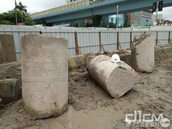 图为厦门轨道交通一号线文灶站使用宝峨KR-RM-HF 1000钻掘的坚硬花岗岩岩芯