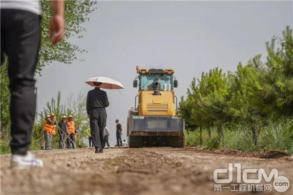 徐工道路机械助力洛川乡道改造施工