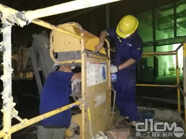 徐工服务人员为每一台设备提供最全面的检查与优化