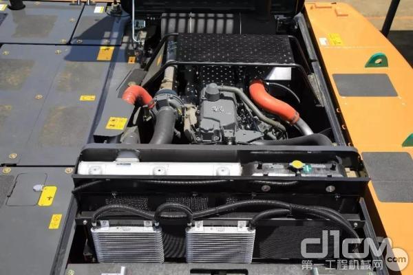 凯斯C系列挖掘机搭载满足国三排放标准发动机