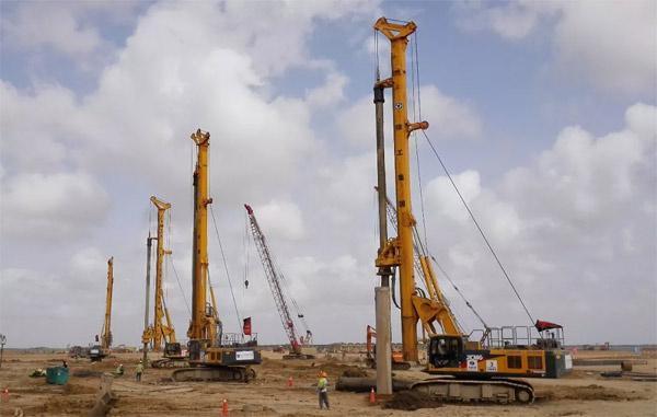 徐工XR220D机群在巴基斯坦施工