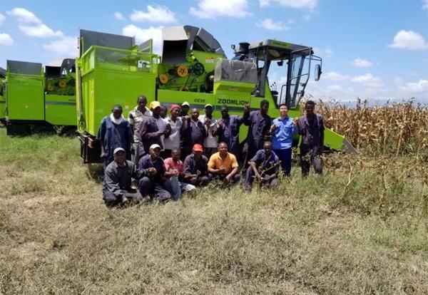▲中联重科玉米收获机在肯尼亚作业