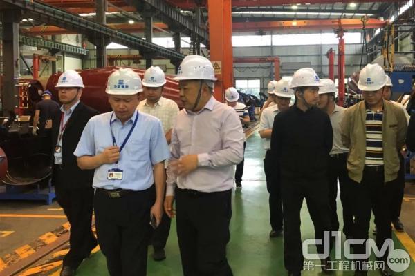 沅江市委书记黄育文调研中联重科沅江工业园