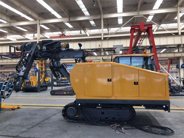 国内首台隧道清理机器人徐工TCR7500