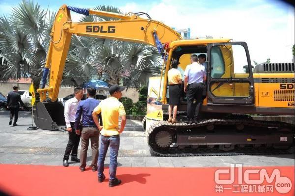 山东临工越南南部市场产品推介会