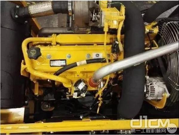 经久耐用的约翰迪尔PowerTech™发动机